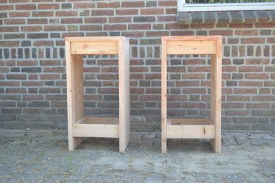 Barkruk van steigerhout      Nu complete set met tafel in de aanbieding!
